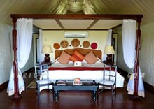 9. BOTSWANA SMALL HIGH QUALITY SAFARI CAMPS & LODGES OFFERING PERSONALIZED ACCOMMODATION SERVICES & GUIDING SERVICES